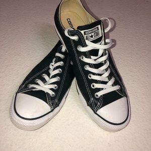 Converse Black shoes men 10 or women's 12
